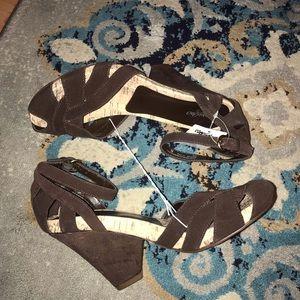 New! Mossimo Phyre Heels